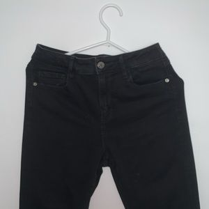 Hidden black high waisted jeans